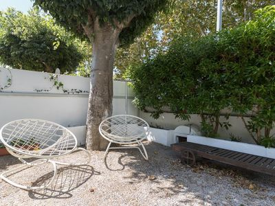 Photo for House with private garden in the center of Carcavelos