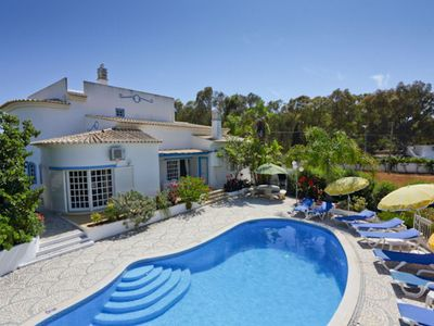 Photo for Delightful detached villa is conveniently located in Gale in Albufeira