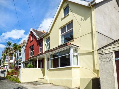 Photo for Gwylan Maisonette, TENBY