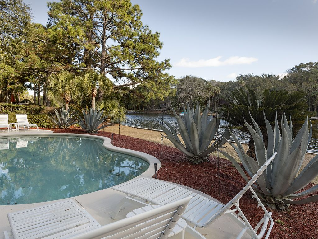 3br 3ba 4th row from ocean on lagoon with vrbo