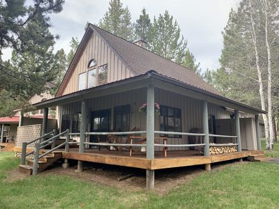 Photo for Cozy home in heart of Sunriver w/ hot tub, community pool & SHARC passes
