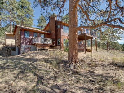 Photo for Charming, family-friendly cabin w/ stellar, panoramic Rocky Mountain Views!