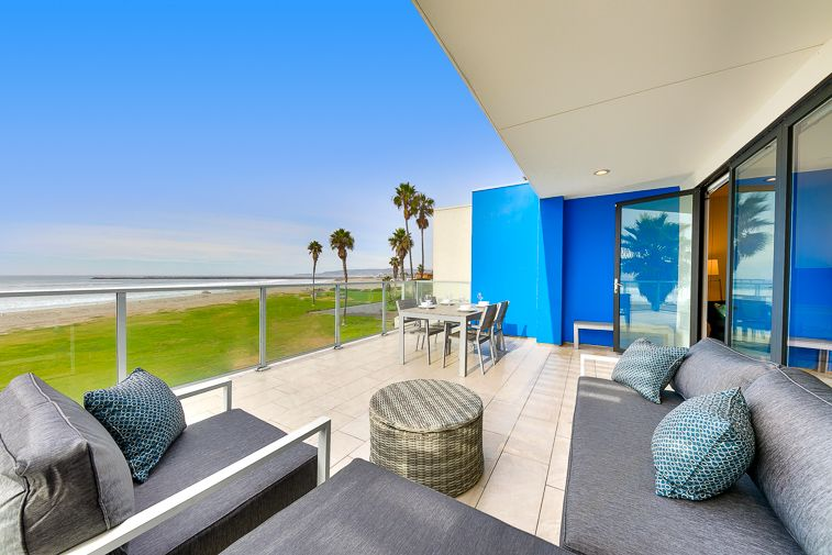 Contemporary Beachfront Condo Views Steps From The Sand
