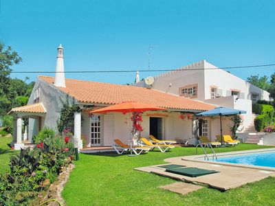 Photo for This 6-bedroom villa for up to 14 guests is located in Loule and has a private swimming pool and Wi-