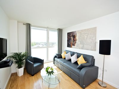 Photo for LONDON HEATHROW - 2 Bedroom 1 Bath Apartment Sleeps 5