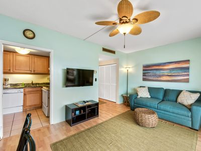 Photo for Kona Plaza#220 AMAZING LOCATION! IN HEART OF KONA TOWN! AC & Elevators!