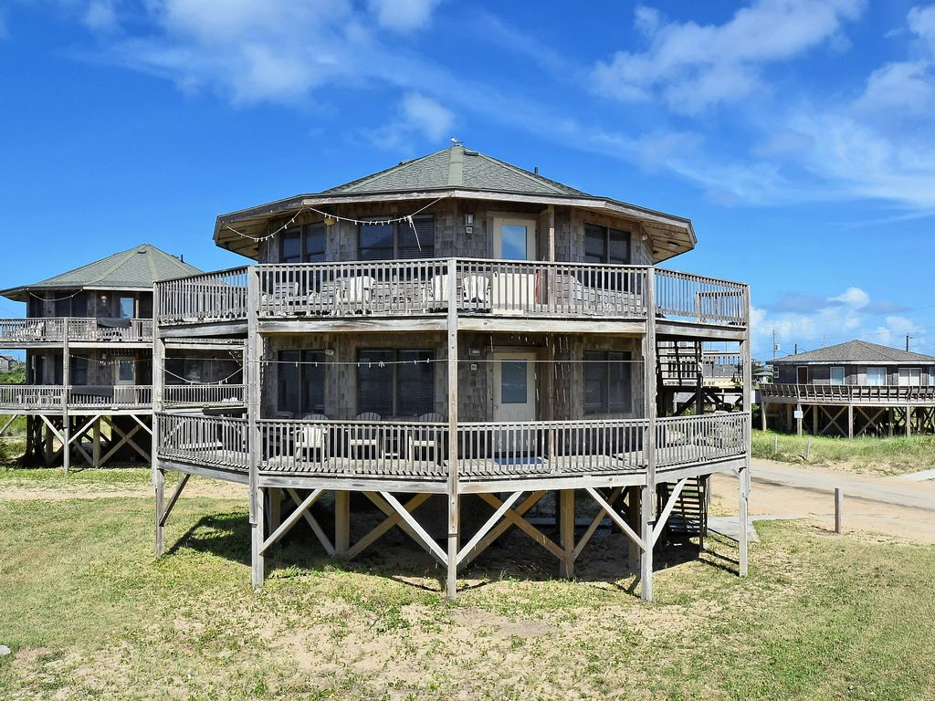 Beach break cottage excellent ocean views steps to beach - Hotels in buxton with swimming pool ...
