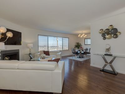 Photo for Breathtaking 180 Degree Ocean, Bay and City Views.