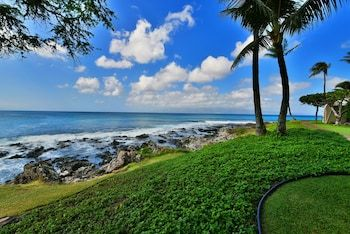 Napili Point A8 by RedAwning