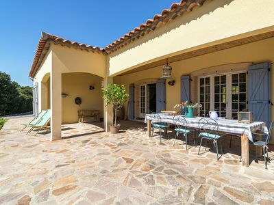 Photo for Luxury villa with heated private pool in the beautiful wine region of southern France