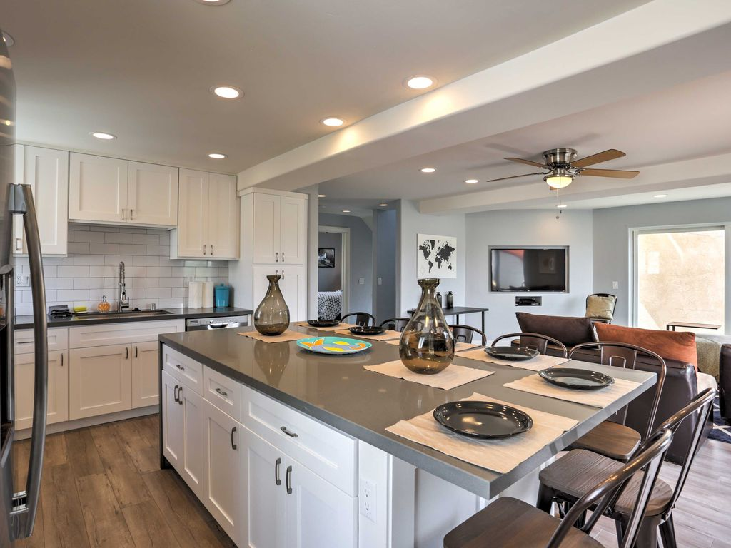 Cooking Will Be A Breeze With The Stainless Steel Appliances In The Fully  Equipped Kitchen. Experience San Diego ...