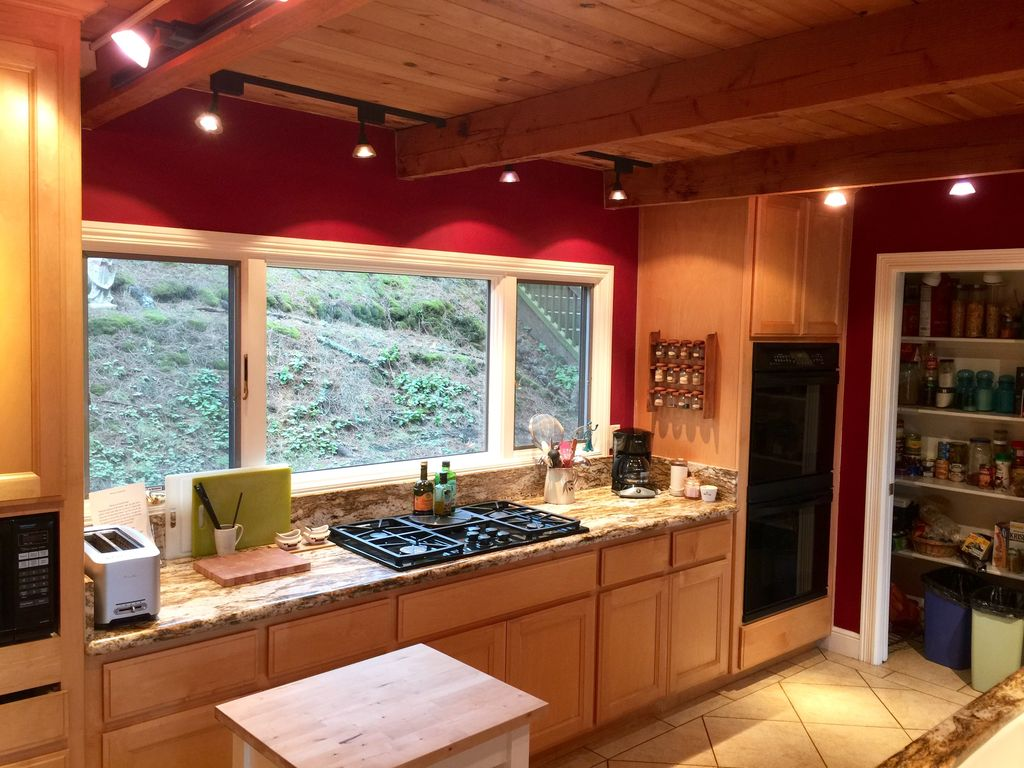Property Image#5 Gorgeous Muir Beach Home With Expansive Views