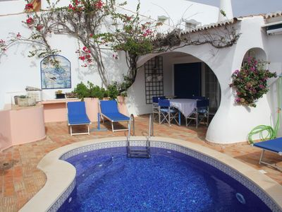 Photo for Charming, family-friendly villa on the golf course and 5 min to the beach, Wi-Fi