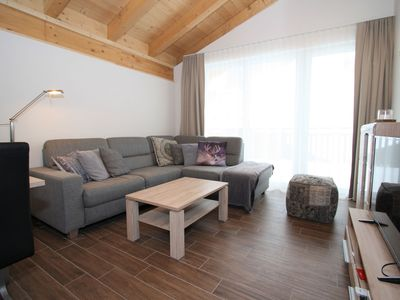 Photo for Contemporary Apartment with Ski Storage, Parking, Heating