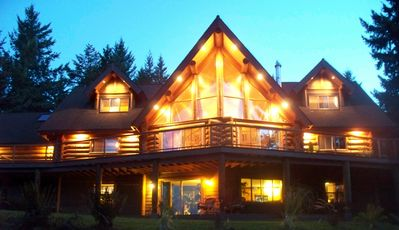 Photo for Chalet Log Home In The Heart Of Wine Country
