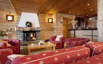 Photo for Wifi, fitness, swimming pool, terrace, balcony, parking, tv, ski locker, 22-23m², La Plagne