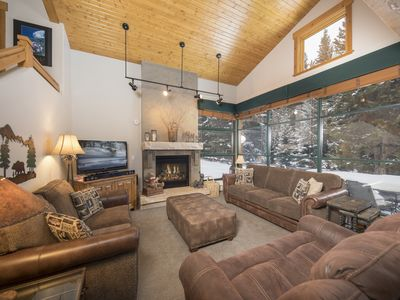Photo for Incredible Views with Cozy Lodge feel. Easy ski shuttle or walk to River Run.