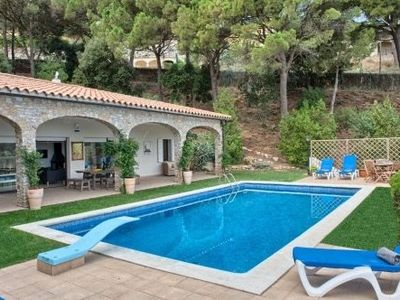 Photo for Holiday rental villa with swimming pool in Begur