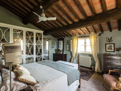 Photo for Beautiful and tranquil villa on the Tuscan / Umbrian border
