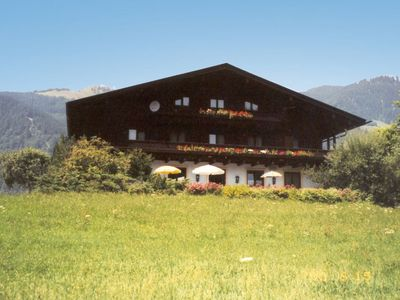Photo for Spacious and comfortable chalet with sauna, beautifully situated near the forest and two lakes for s