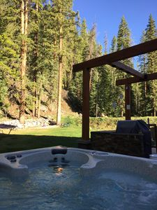 Newly installed hot tub. Gorgeous views of National Forest.