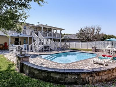 NEW TO RENTAL MARKET! POOL & OCEAN LESS THAN 5 MINS WALK/ BEST OF BOTH WORLDS!