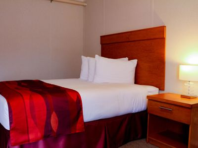 Photo for Golden Prairie Lodge (Instant Book) - Room 1 - Golden Prairie Lodge