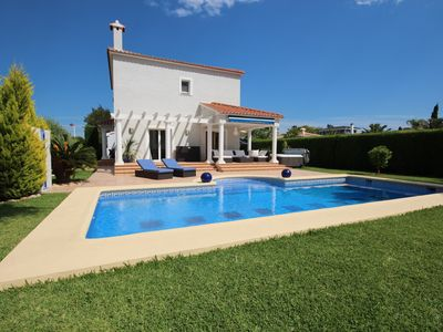 Photo for Very well maintained villa in Els Poblets with 3 bedrooms and private swimming pool.
