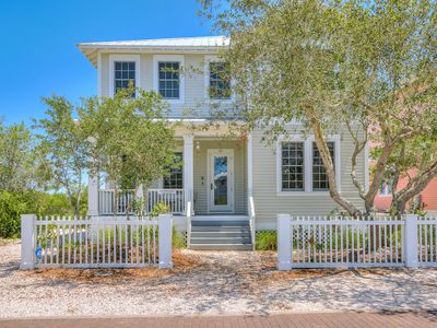 Photo for Battery 20-Waterfront home with deeded beach access!