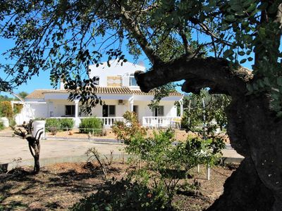 Photo for Beautiful villa with 3 bedrooms and pool close by to the coast