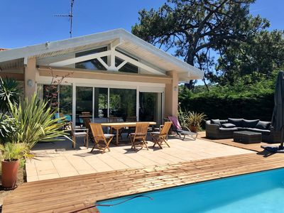 Photo for Superb villa under the pines in Moulleau with swimming pool