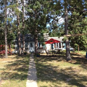 """Photo for """"COZY LAKE COTTAGE"""" 5 MILES TO PARK RAPIDS-BOOK NOW! 8/23-31, 8/31-9/7"""