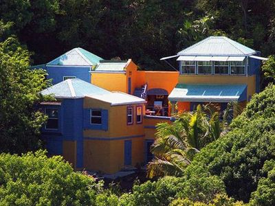 Limeberry House, easy walking to Longbay & Smugglers Cove beaches