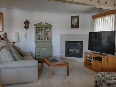 Photo for DG107- Two bedroom condo, sleeps 5, gas fireplace