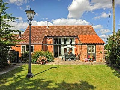 Photo for WOODMAN'S BARN, pet friendly, with pool in Aylsham, Ref 913516