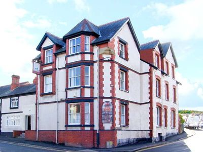 Photo for 12BR Cottage Vacation Rental in Colwyn Bay