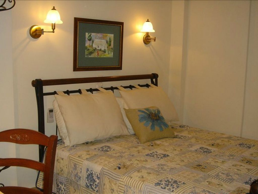 Heart of Athens Luxury Condo Free Wifi Walk to Ancient ...