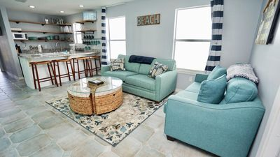 PET FRIENDLY!!! EAST SIDE OF PRIVATE DUPLEX, NEW LUXURY DECOR, PRIVATE BALCONY - BEACHBALL PROPERTIES