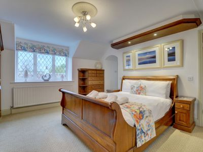 Photo for Georgeham Holiday Home, Sleeps 6 with WiFi