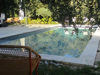 Photo for contemporary villa with swimming pool on landscaped garden, south Luberon, 15min Aix.