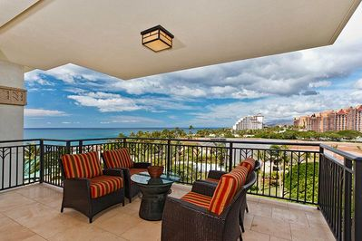 Fantastic view of the ocean from the lanai in our Beach Villa at Ko Olina