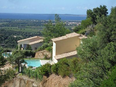 Photo for Spacious villa with panoramic views, located in the Provence
