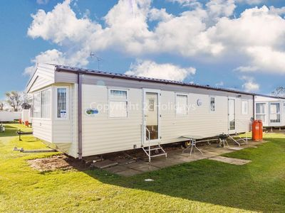 Photo for 6 berth caravan for hire at California cliffs in Norfolk ref 50019e
