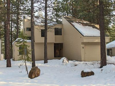 Photo for Fabulous home located in the heart of Sunriver. Free SHARC Passes.