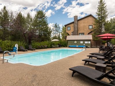 Photo for Waterford 23 by SLBCo | Walking Distance to Resort | Hot Tub., Sauna & Pool!