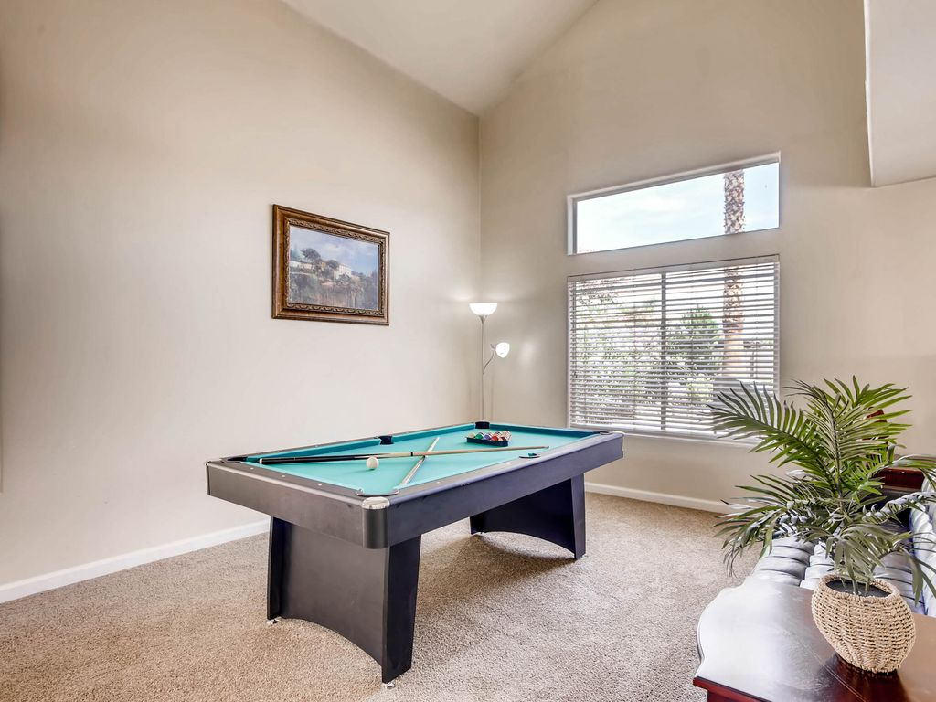 Perfect Three BR Minutes To Strip With Jacuzzi And Pool Table Las - 84 pool table