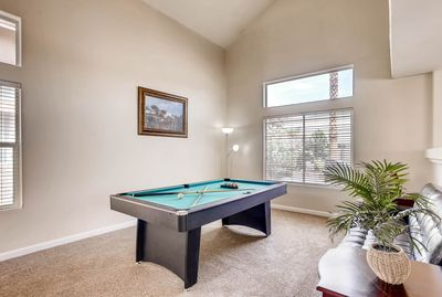 Pleasant Perfect Three Br Minutes To Strip With Jacuzzi And Pool Table Spring Valley Home Interior And Landscaping Spoatsignezvosmurscom