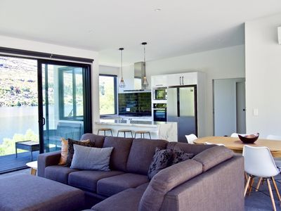 Photo for Stunning Lake House in Queenstown