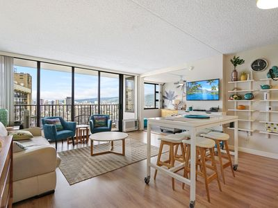 Photo for Darmic Waikiki Banyan: Deluxe Ocean View  |  36th floor  |  1 bdrm  | FREE wifi and parking  | AC| Quality amenities | Only 5 mins walk to the beach!