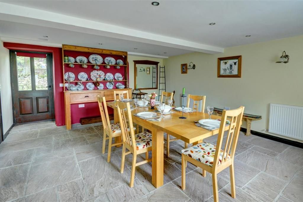 West Close & Field Cottage - Four Bedroom Cottage, Sleeps 8